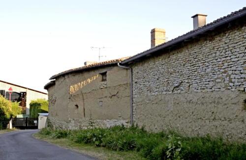 Maison en terre crue chez Gilbert.