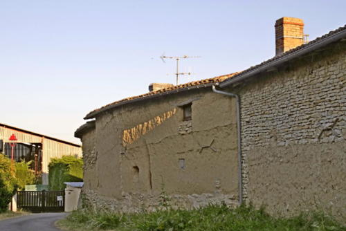 Maison en terre crue chez Gilbert