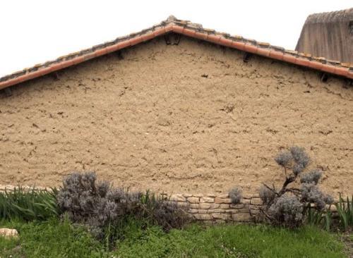 Maison en terre crue chez Michel